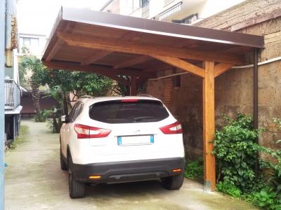 Realizzazione tettoie caserta campania for Carport box auto legno lamellare prezzi